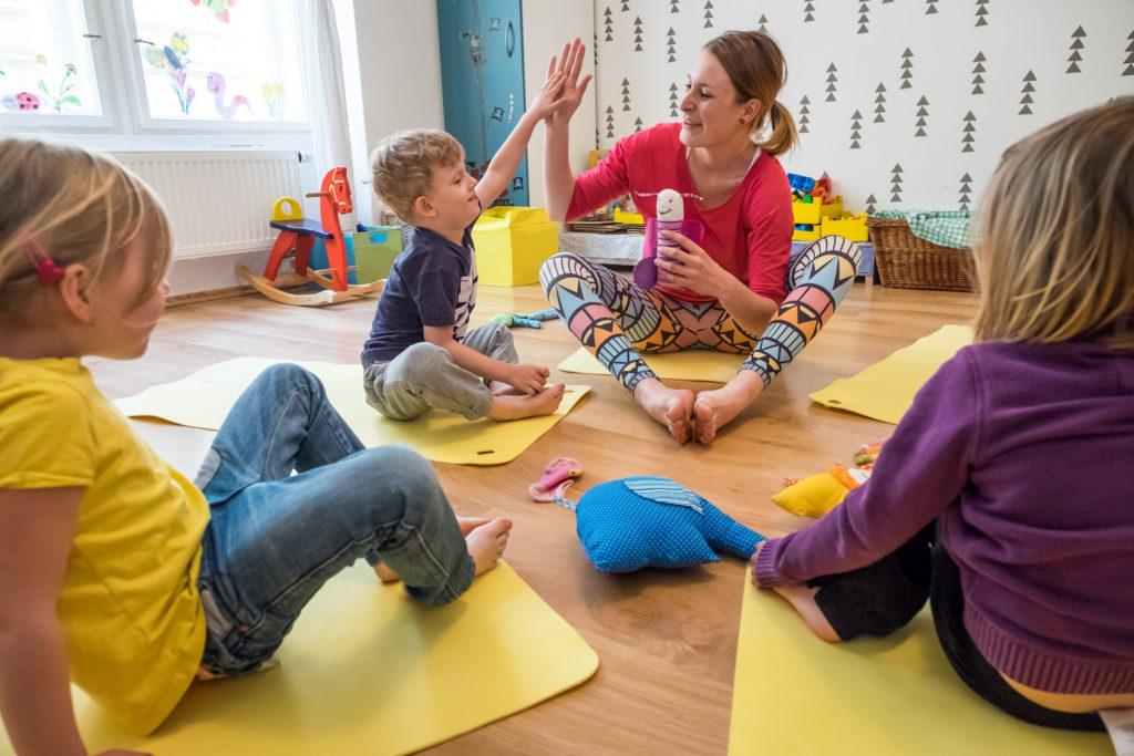 Cvičení pro děti s prvky jógy a výukou angličtiny