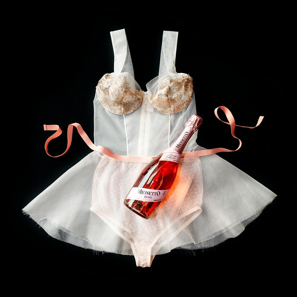 Výsledek spojení kvalitního italského pití a luxusního spodního prádla