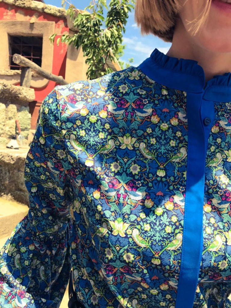 Šaty inspirovány prosluněnou jižní Itálií