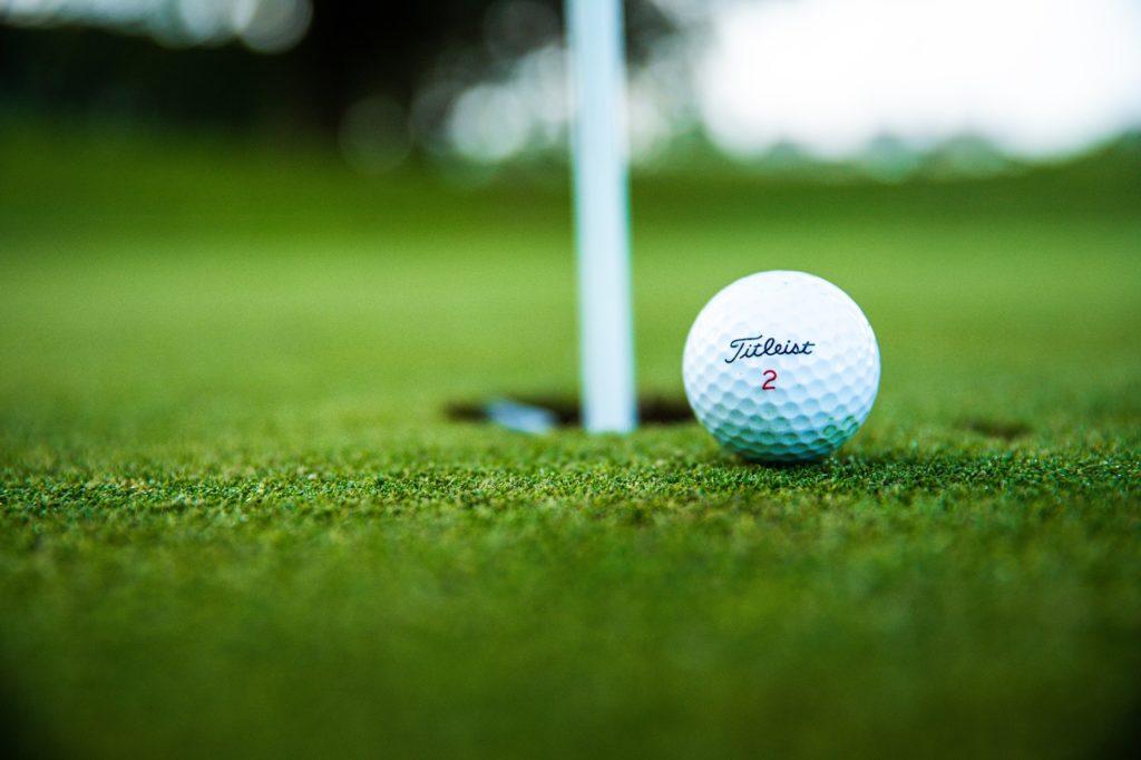 Rodinný golfový den pro zkušené i nezkušené hráče