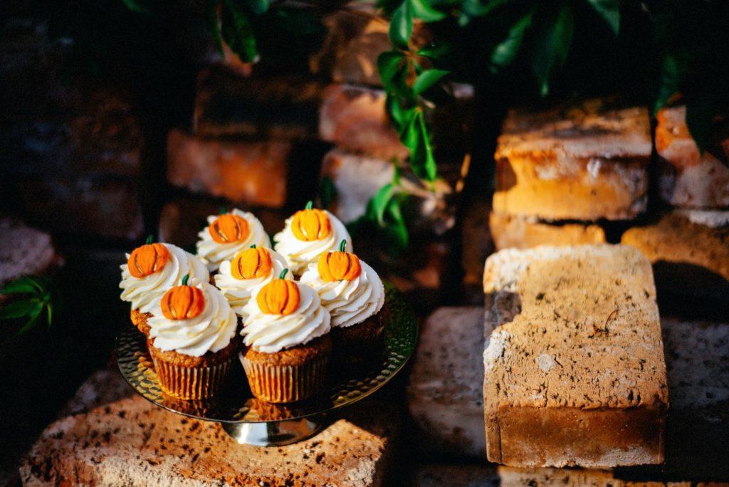 Halloweenské cupcakes podle Lelí's Cupcakes