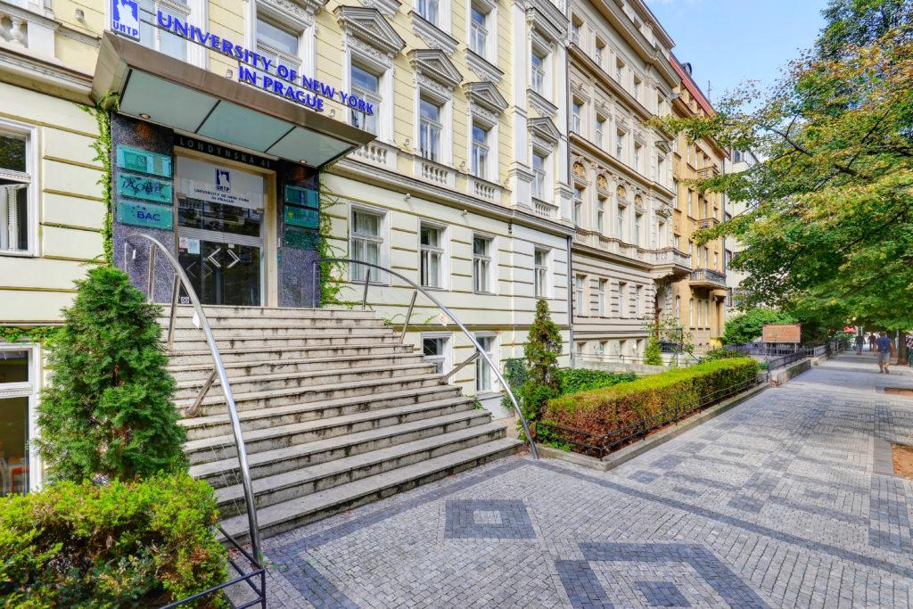 Prestižní University of New York in Prague  spolupracuje s JA CZECH