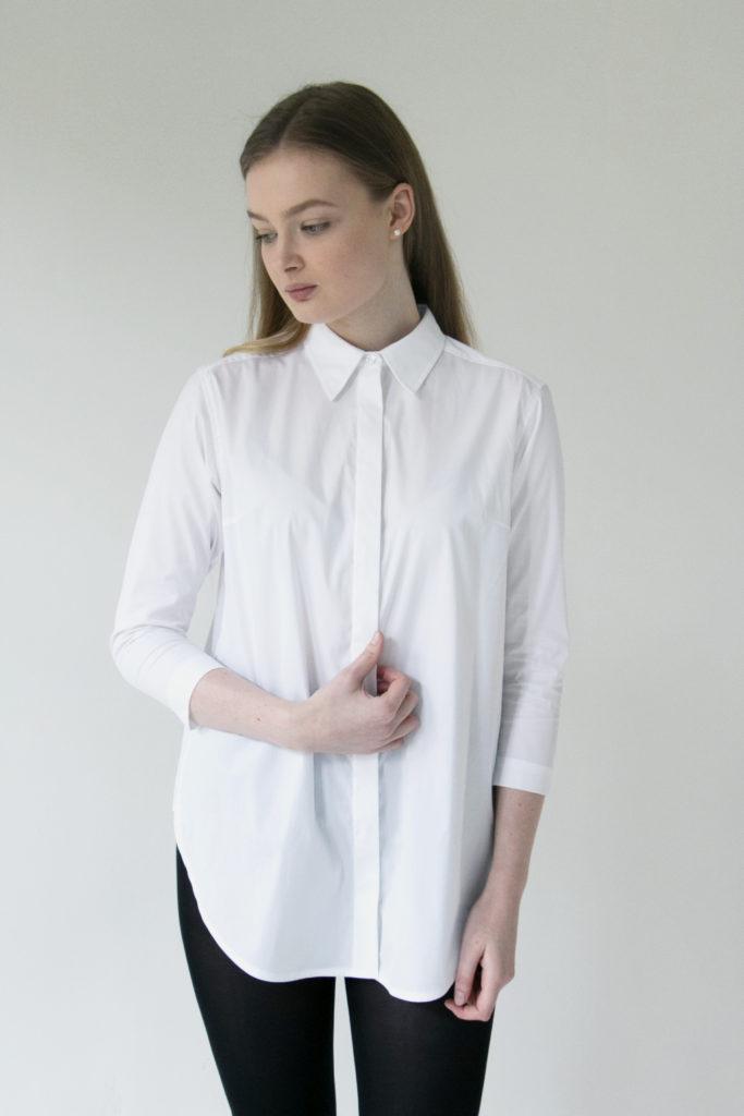 Stále platí, že bílá košile je základ šatníku