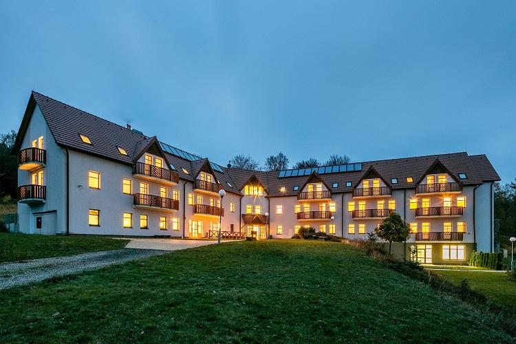 Pytloun Hotels otevřela v Krušných horách Pytloun Wellness Hotel Hasištejn