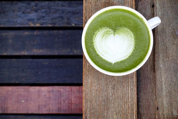 MatchaTea srdcové cappuccino