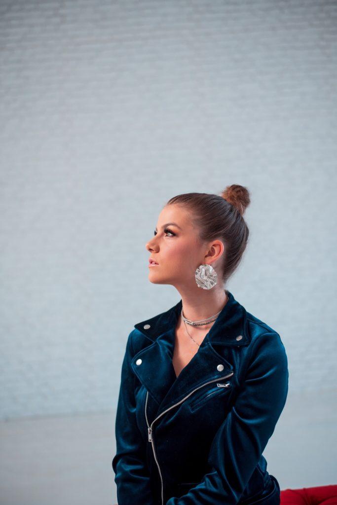 Zpěvačka Adéla vydává nový song!
