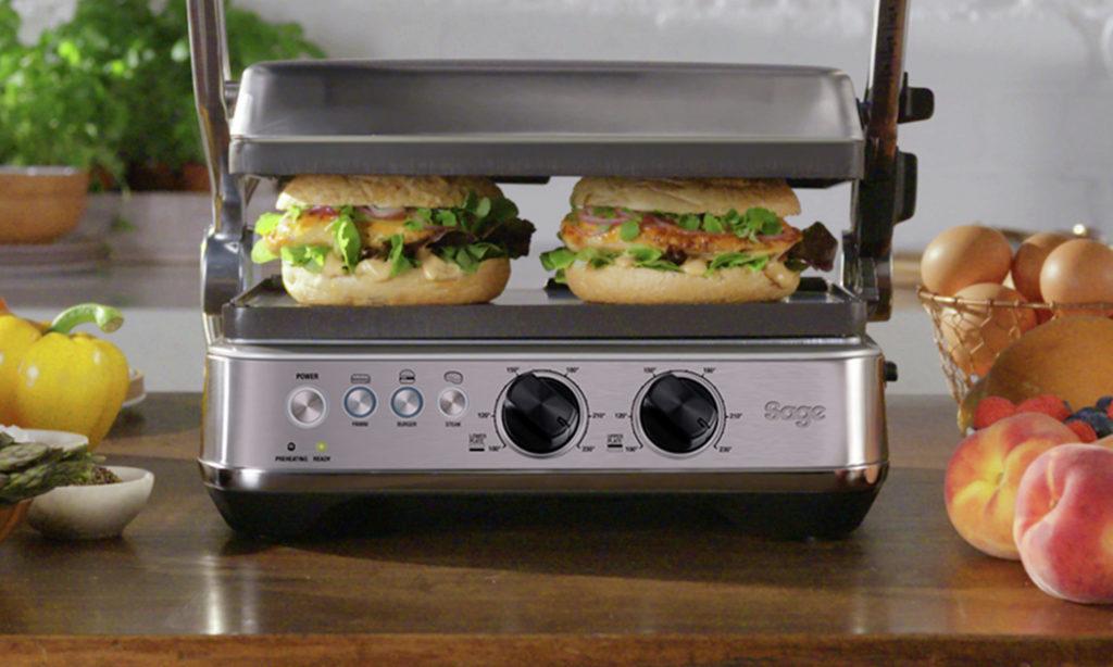 Láska na první pohled – nový gril The BBQ & Press Grill SGR700BSS