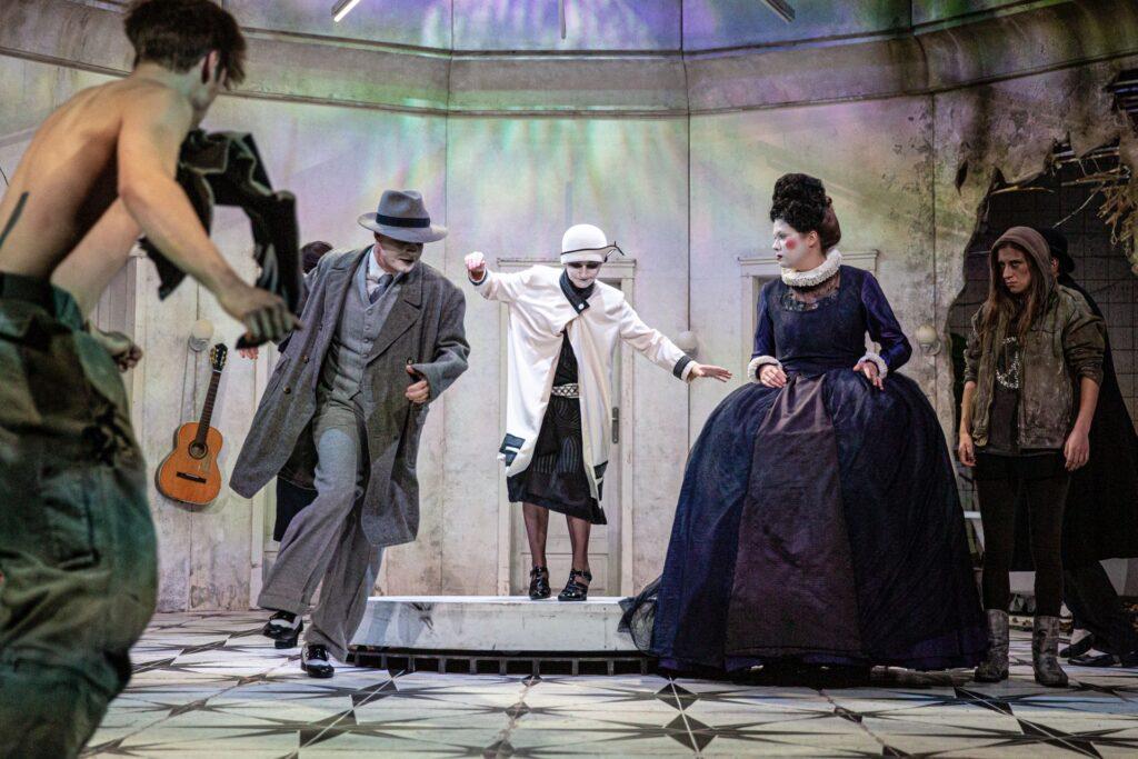 Divadlo v Dlouhé v červnu uvede čtyři představení – předprodej vstupenek zahájen