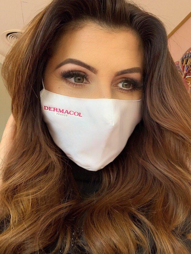 Make-up pod roušku doporučují odborníci