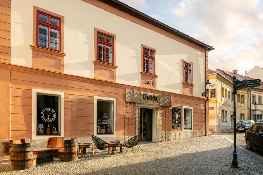 Apartmány a Cafe Dačický: nová kapitola v sedm století staré historii kutnohorského domu