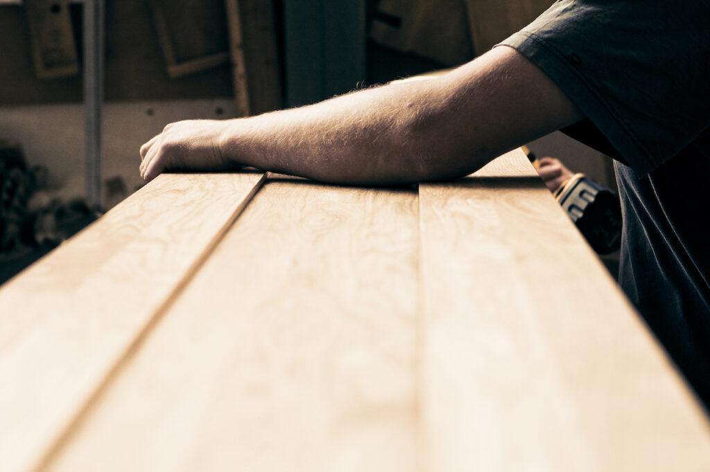 Jak jsme na tom s udržitelnou výrobou nábytku?