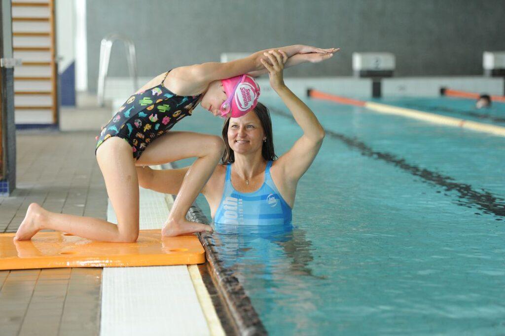 Hledáte pro dítě plaveckou školu nebo se i sami zdokonalit?