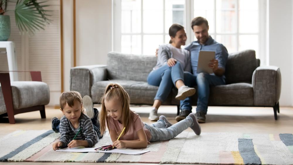Chcete být moderní rodiče? Přečtěte si, co vše můžete vyřídit online