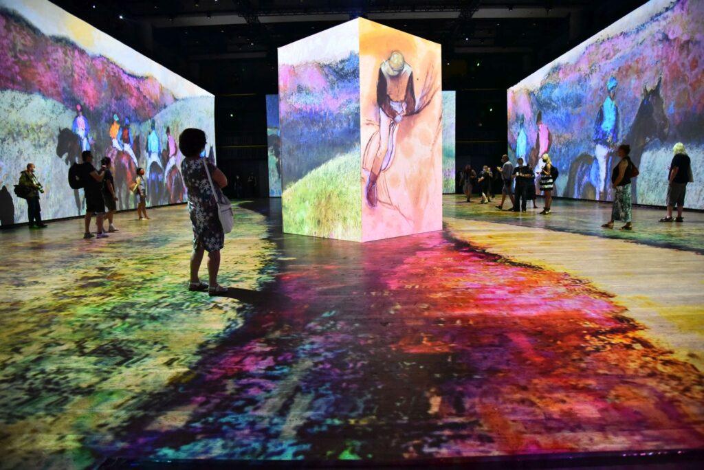 Unikátní výstava Bylo nebylo, Van Gogh, Monet, Renoir… ve Foru Karlín