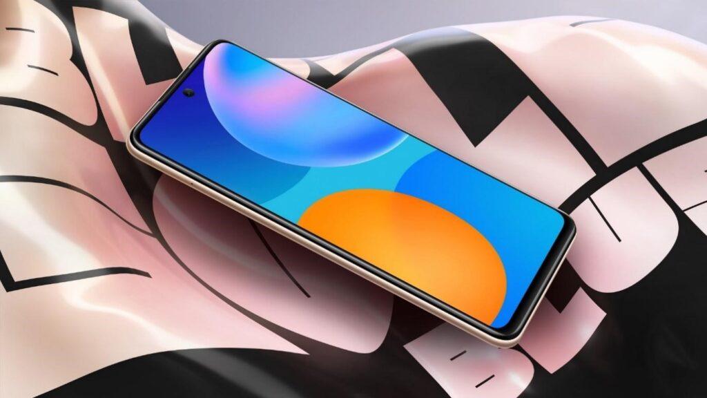 Žijte naplno. S vysokým rozlišením a velkokapacitní baterií je Huawei P smart 2021 jasnou volbou