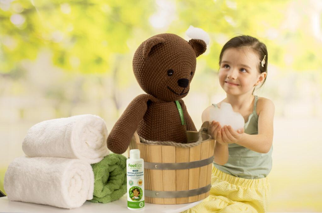 Praní dětského prádla s přírodními produkty Feel Eco ochrání citlivou pokožku vašich dětí