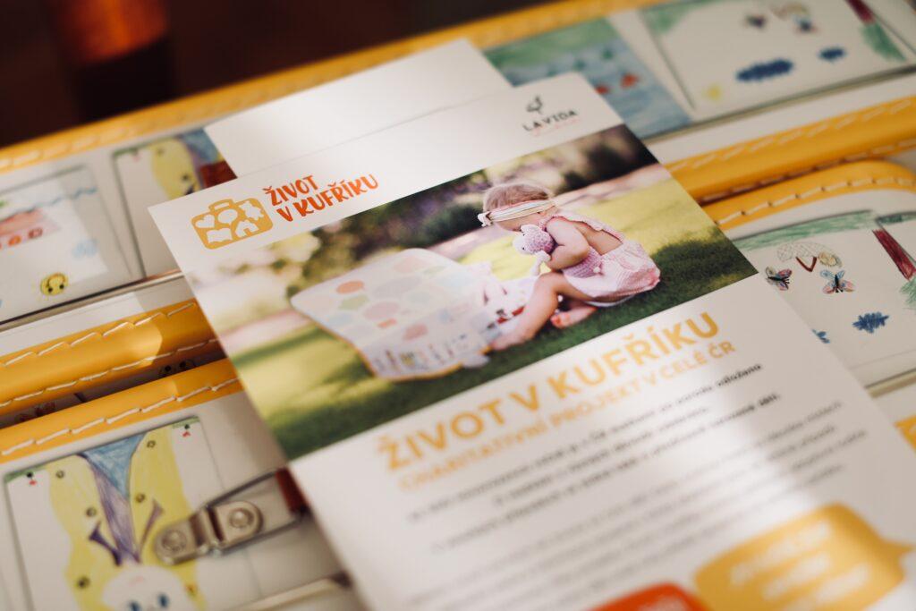 Projekt Život v kufříku pokřtí památníček pro děti vyrůstající bez biologických rodičů