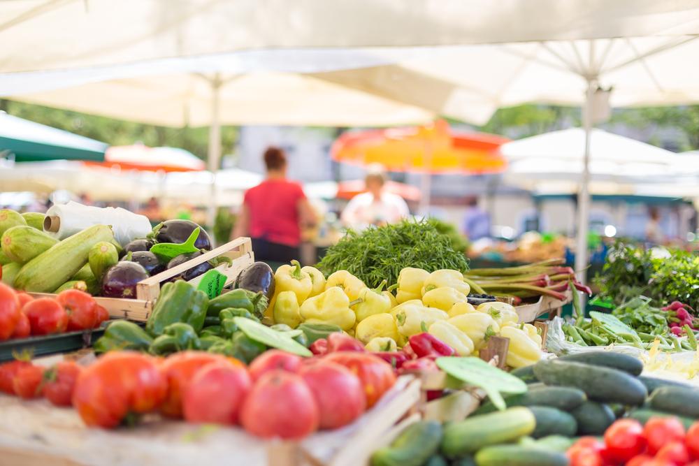 5 základních rad, jak se perfektně vyznat na farmářském trhu