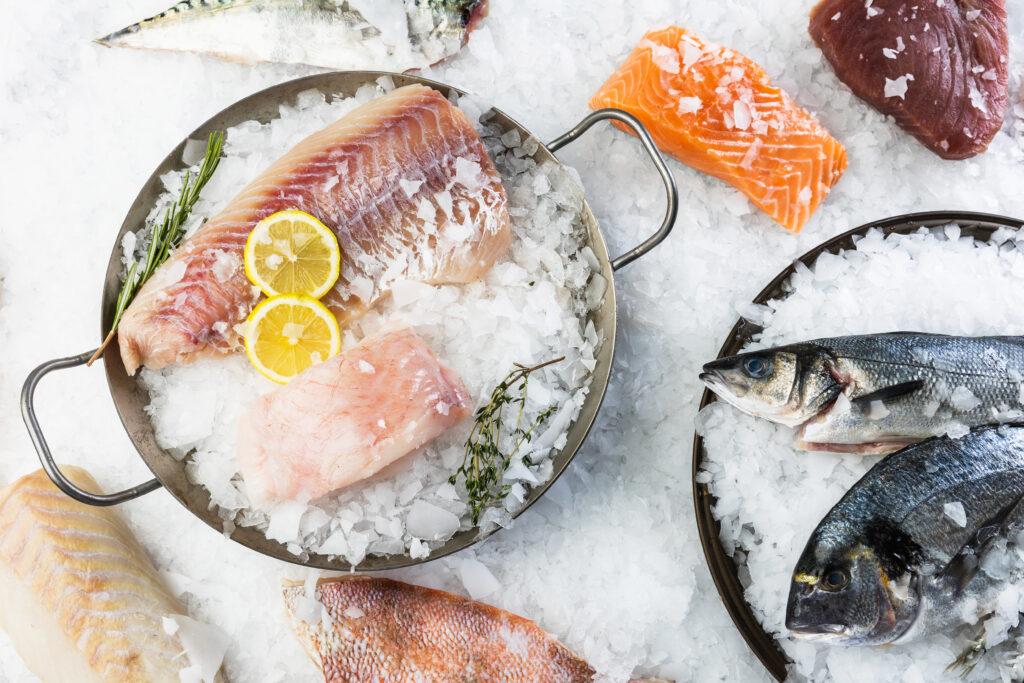 Rohlik.cz uvádí novou vlastní značku certifikovaných čerstvých ryb FJORU