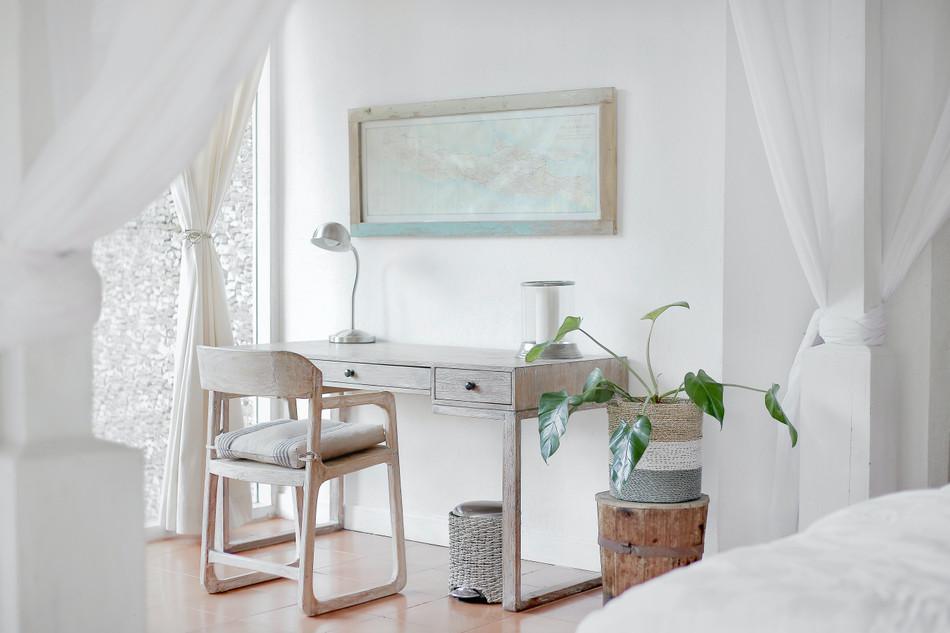 Kreativní využití zrcadel a světel v interiéru. Proměňte svůj domov k nepoznání